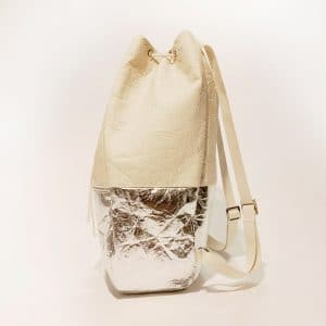 "Kaliber Fashion - Vegan Backpack ""SPIRIT"" natural silver / pinatex zijkant"