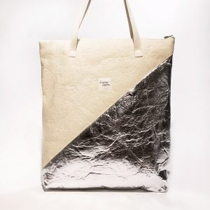"Kaliber Fashion - Vegan Shopperbag ""FUTURE"" natural silver / pinatex voorkant"
